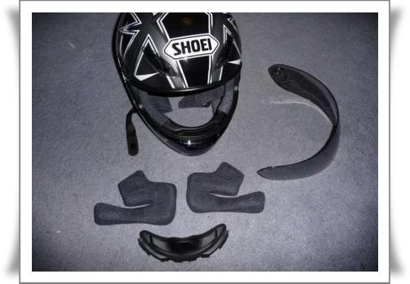 Top cara membersihkan helm