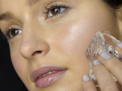 5 Tips Make Up Bagi Si Kulit Berminyak - Kecantikan